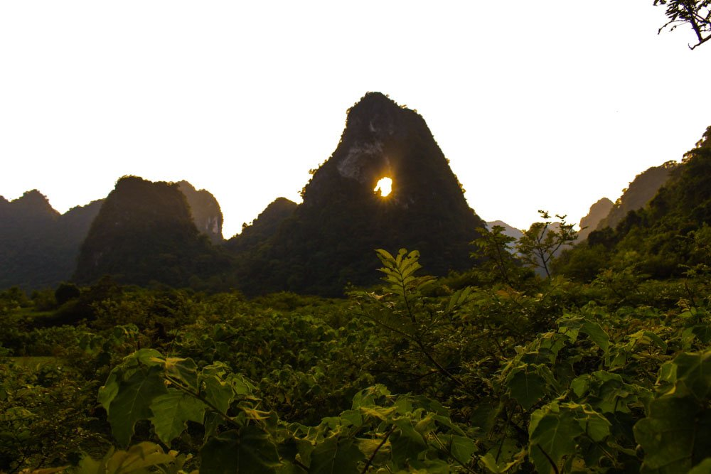 núi Mắt Thần